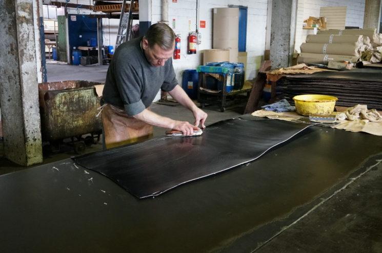 セドウィック社の蠟引き加工の画像