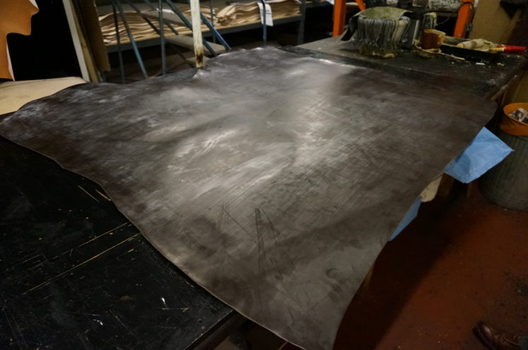 メトロポリタン社の蠟引き加工を行うブースの画像