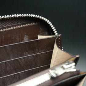 メトロポリタン社のブライドルレザーのダークブラウンカラーのラウンドファスナー長財布の画像13