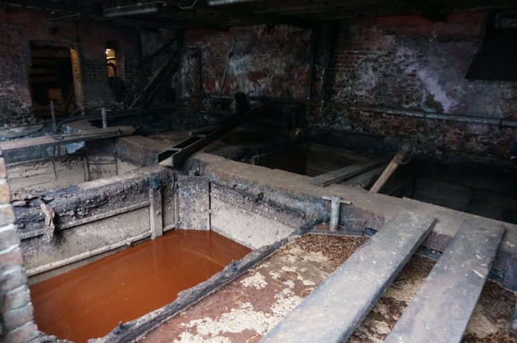 J.ベイカー社のピット槽の画像
