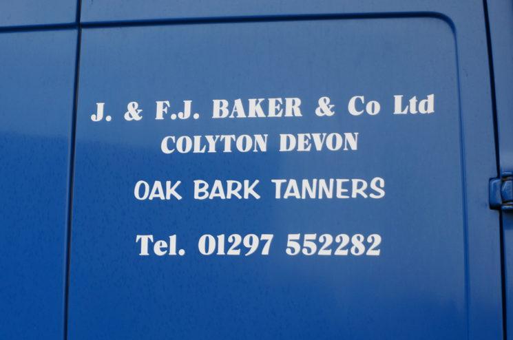 J.ベイカー社の看板画像