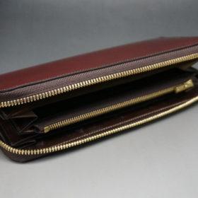 新喜皮革社の顔料仕上げコードバンのアンティークカラーのラウンドファスナー長財布の画像7