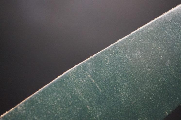クレイトン社のブライドルレザーのダークグリーンカラーの画像