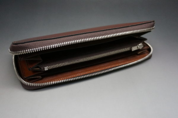 新喜皮革社のオイルコードバンのアンティークカラーのラウンドファスナー長財布6