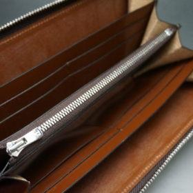 新喜皮革社のオイルコードバンのアンティークカラーのラウンドファスナー長財布11