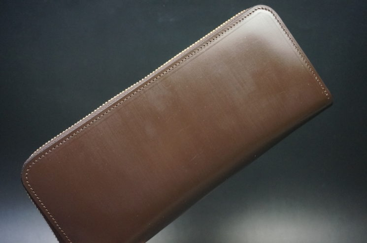 クレイトン社製ブライドルレザー(ベンズ部位)を使用したのラウンドファスナー長財布