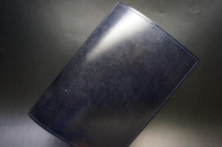 セドウィック社製ブライドルレザーのネイビーのA5判手帳カバー