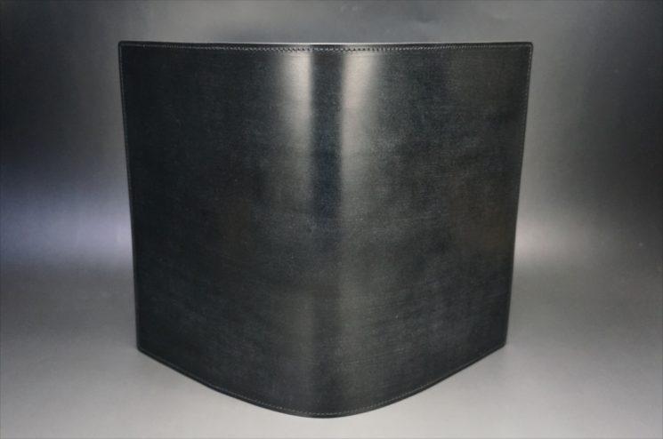 A5判手帳カバーのブラックカラーの外側画像