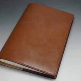 A5判手帳カバーのヘーゼルカラーの外側ご使用イメージ