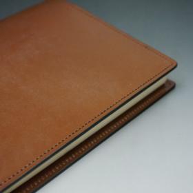 A5判手帳カバーのヘーゼルカラーの外側サイトのご使用イメージ