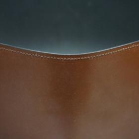 A5判手帳カバーのヘーゼルカラーのステッチ