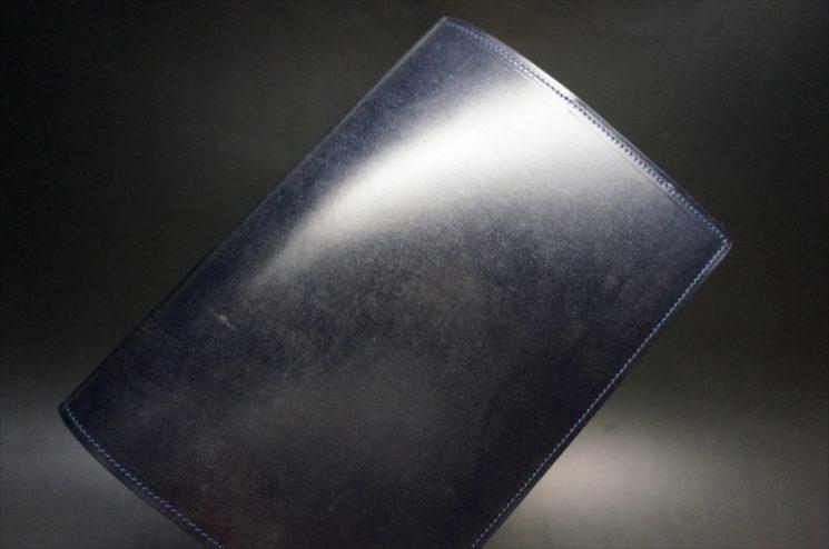 ブライドルレザーのネイビーカラーのA5判手帳カバー