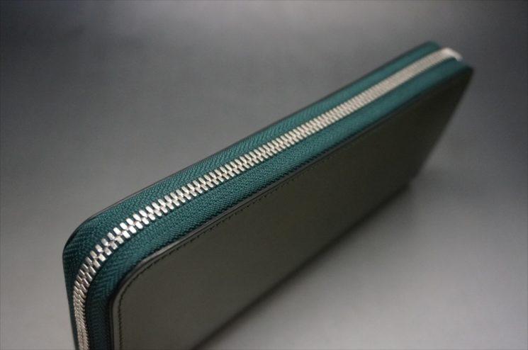 新喜皮革社製オイルコードバンのグリーンを使用したラウンドファスナー長財布-3