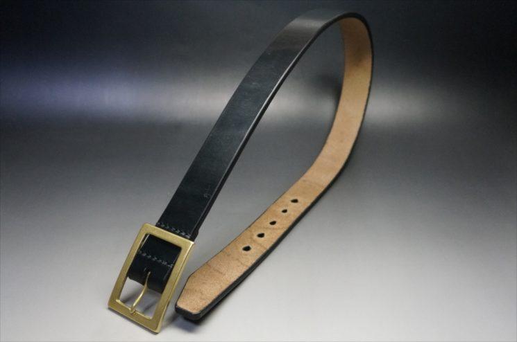 J.ベイカー社製ブライドルレザーのブラックのゴールドバックルのベルトのSSサイズの全体画像