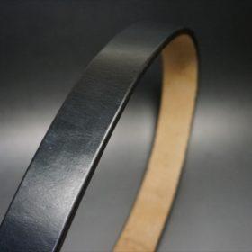 J.ベイカー社製ブライドルレザーのブラックのゴールドバックルのベルトのSSサイズの革の表面