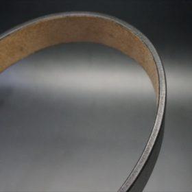 J.ベイカー社製ブライドルレザーのブラックのゴールドバックルのベルトのSSサイズのコバ