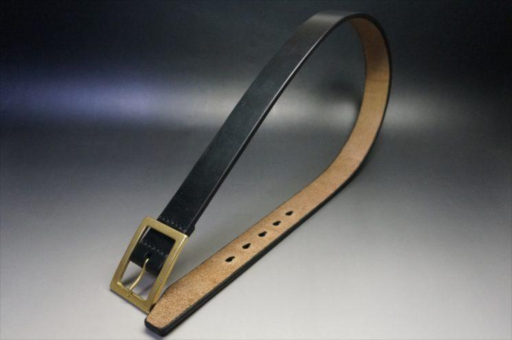 J.ベイカー社製ブライドルレザーのブラックのゴールドバックルのベルトのSサイズの全体画像