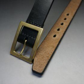 J.ベイカー社製ブライドルレザーのブラックのゴールドバックルのベルトのSサイズのバックル周り-1