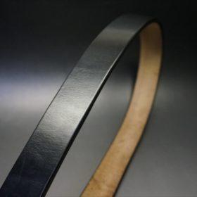 J.ベイカー社製ブライドルレザーのブラックカラーのベルトの帯部分