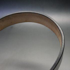 J.ベイカー社製ブライドルレザーのブラックカラーのベルトのコバ