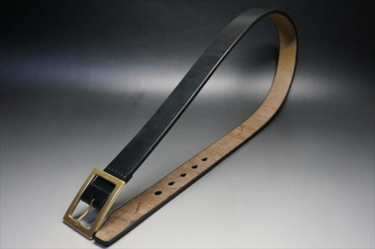 J.ベイカー社製ブライドルレザーのブラックのゴールドバックルのベルトのLサイズの全体画像