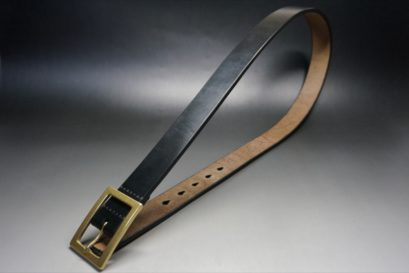 J.ベイカー社製ブライドルレザーのブラックのゴールドバックルのベルトのLLサイズの全体画像