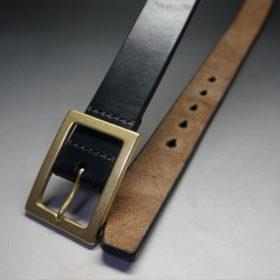 J.ベイカー社製ブライドルレザーのブラックのゴールドバックルのベルトのLLサイズのバックル周り-1