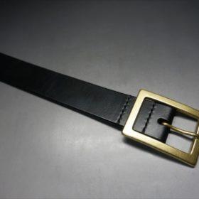 J.ベイカー社製ブライドルレザーのブラックのゴールドバックルのベルトのLLサイズのバックル周り-2