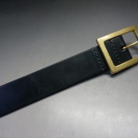 J.ベイカー社製ブライドルレザーのブラックのゴールドバックルのベルトのLLサイズのバックル周り-3