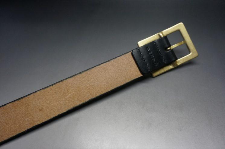 J.ベイカー社製ブライドルレザーのブラックのゴールドバックルのベルトのLLサイズの背面