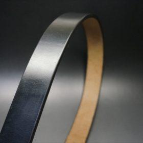 J.ベイカー社製ブライドルレザーのブラックのシルバーバックルのベルトの帯画像