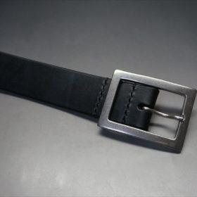 J.ベイカー社製ブライドルレザーのブラックのシルバーバックルのベルトのバックル周り-2