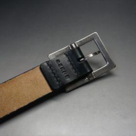 J.ベイカー社製ブライドルレザーのブラックのシルバーバックルのベルトのバックル周りの背面