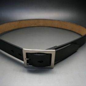 J.ベイカー社製ブライドルレザーのブラックのシルバーバックルのベルトのイメージ画像