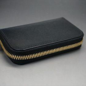 セドウィック社製ブライドルレザーのブラック色のラウンドファスナー小銭入れ(ゴールド色)-1-5