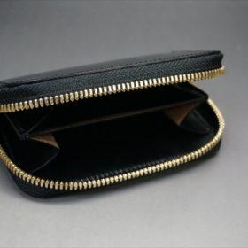 セドウィック社製ブライドルレザーのブラック色のラウンドファスナー小銭入れ(ゴールド色)-1-6