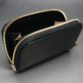 セドウィック社製ブライドルレザーのブラック色のラウンドファスナー小銭入れ(ゴールド色)-1-7