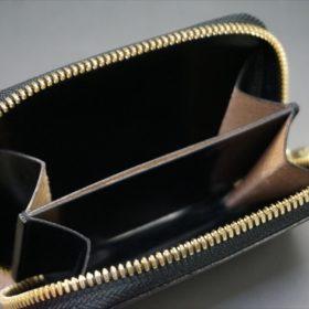 セドウィック社製ブライドルレザーのブラック色のラウンドファスナー小銭入れ(ゴールド色)-1-9