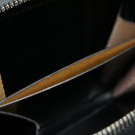 セドウィック社製ブライドルレザーのブラック色のラウンドファスナー小銭入れ(シルバー色)-1-11