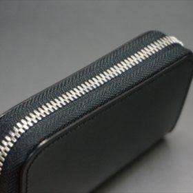 セドウィック社製ブライドルレザーのブラック色のラウンドファスナー小銭入れ(シルバー色)-1-4