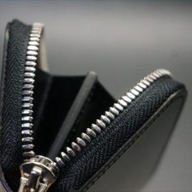 セドウィック社製ブライドルレザーのブラック色のラウンドファスナー小銭入れ(シルバー色)-1-8