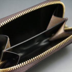 セドウィック社製ブライドルレザーのチョコ色のラウンドファスナー小銭入れ(ゴールド色)-1-7