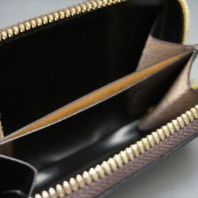 セドウィック社製ブライドルレザーのチョコ色のラウンドファスナー小銭入れ(ゴールド色)-1-8
