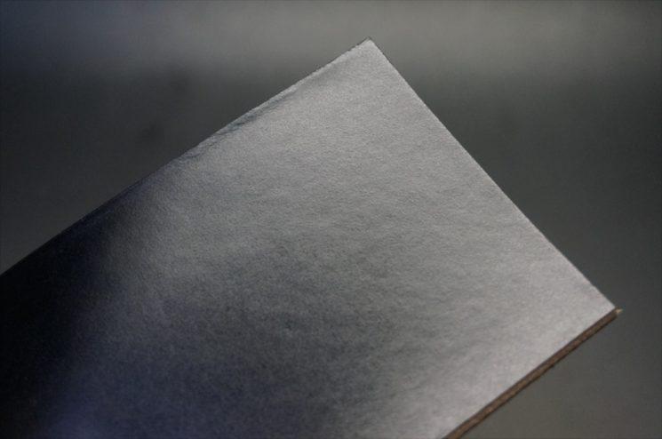 セドウィック社のブライドルレザーのブラックカラーの表面