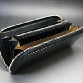セドウィック社製ブライドルレザーのブラックカラーのラウンドファスナー長財布の斜め画像