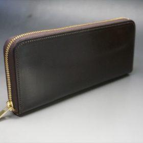 セドウィック社製ブライドルレザーのチョコカラーのラウンドファスナー長財布の外側