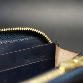 セドウィック社製ブライドルレザーのネイビーカラーのラウンドファスナー長財布-14