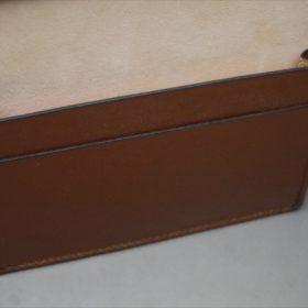 レーデルオガワ社製染料仕上げコードバンのキャメル色の名刺入れ-1-10
