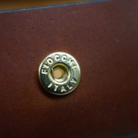 ホーウィン社製シェルコードバンの#4色の横長タイプの小銭入れ(ゴールド色)-1-11