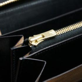 新喜皮革社製オイルコードバンのブラックカラーのラウンドファスナー長財布(ゴールド色)-1-13